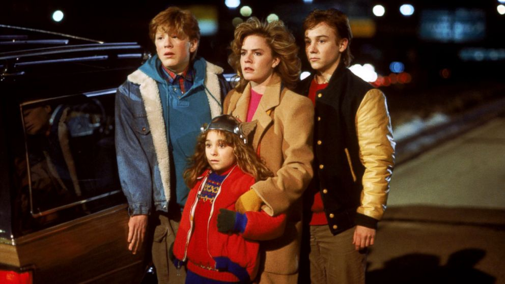 Elisabeth Shue leads the kids in Adventures in Babysitting.