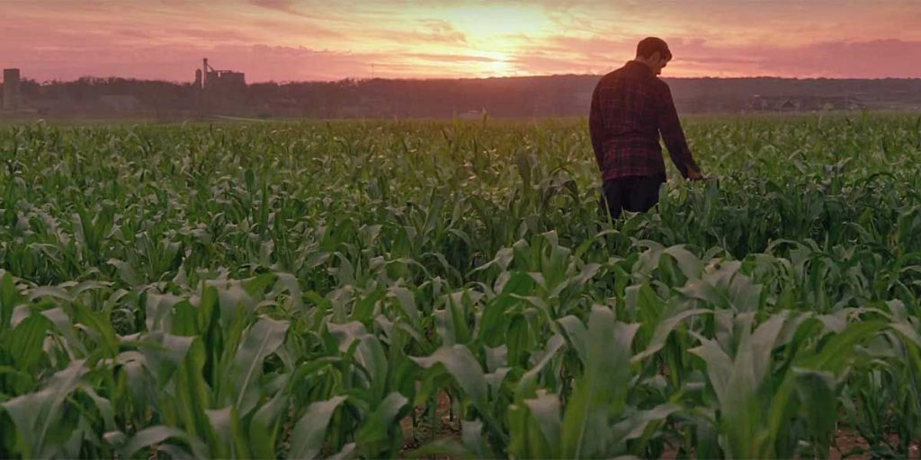 Superman on Kent farm in Zack Snyder's Justice League (2021)