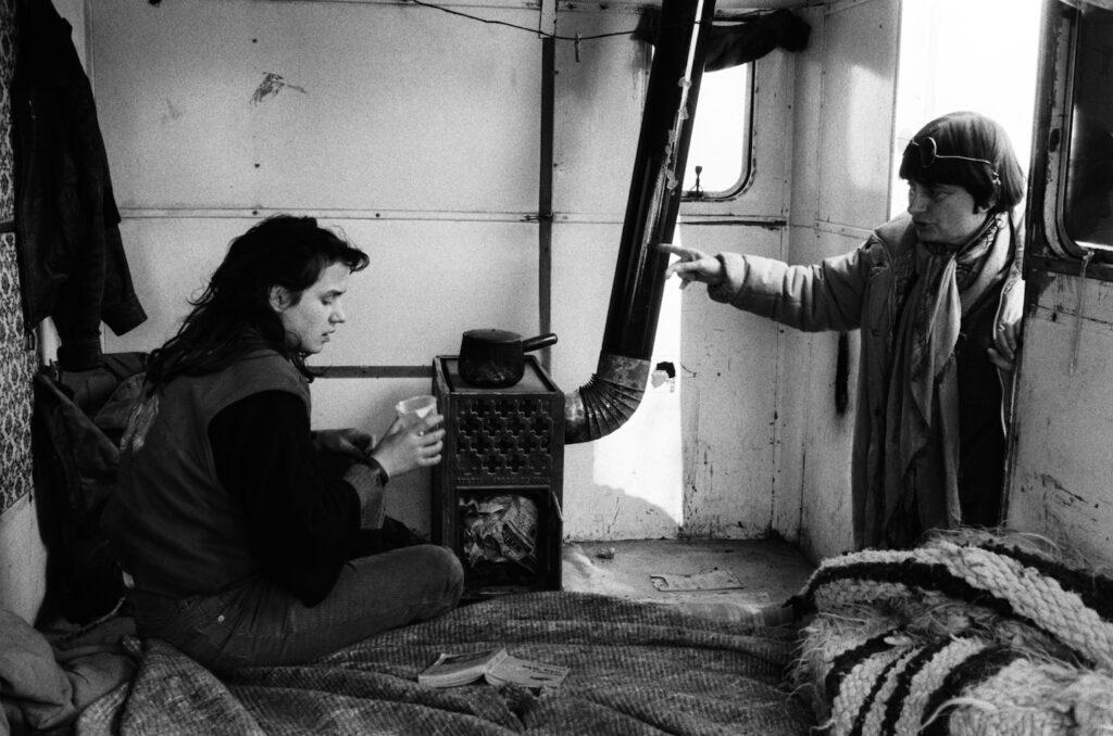 Sandrine Bonnaire and Agnès Varda making Vagabond (1985)