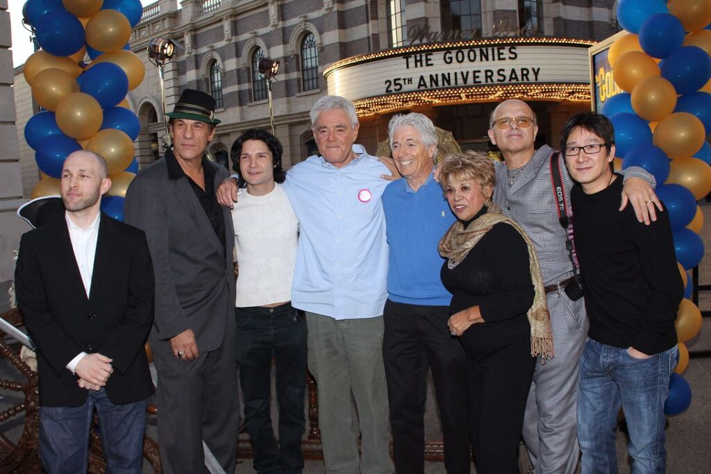 Richard Donner with the cast of The Goonies for a 25th Anniversary reunion in 2010