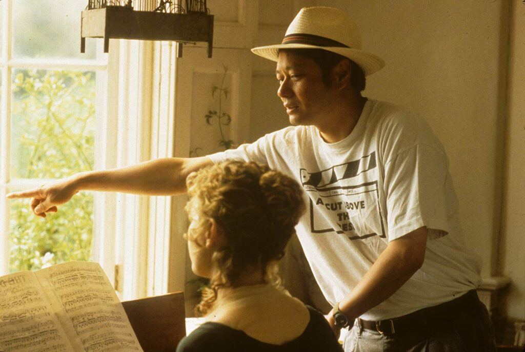 Ang Lee directs Kate Winslet in Sense and Sensibility (1995)